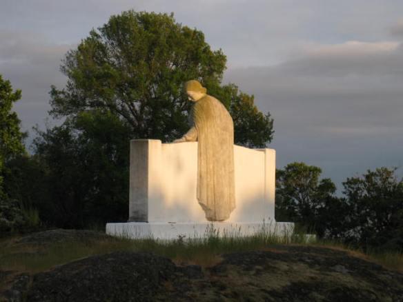 Oak Bay Cenotaph